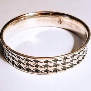 Premier Designs hounds tooth bangle cuff bracelet